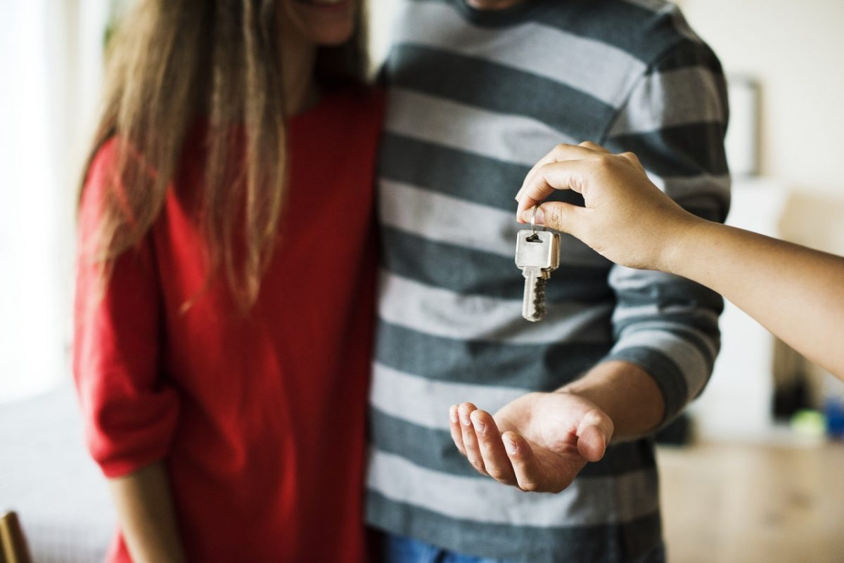 6 Tips for Buying Your First Family Home